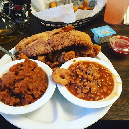 Henderson, Caroline du Nord : The catfish and the shrimp was scrumptious. This restaurant was recommended by our hotel agent a