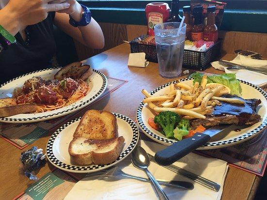 Piatti e ristorante picture of black bear diner for Piatti ristorante