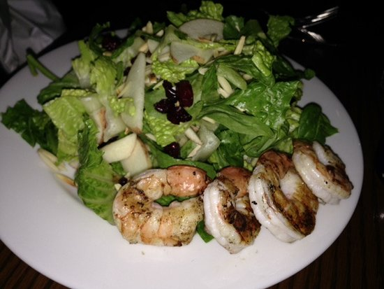 Fireworks : Spinach & Mixed Green Salad With Grilled Shrimp