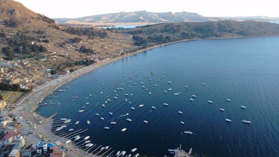 Lago Titicaca: Vista desde el monte calvario, Copacabana-Bolivia ...