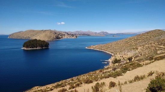 Lago Titicaca: Vista desde La isla del Sol-Bolivia - Picture of ...