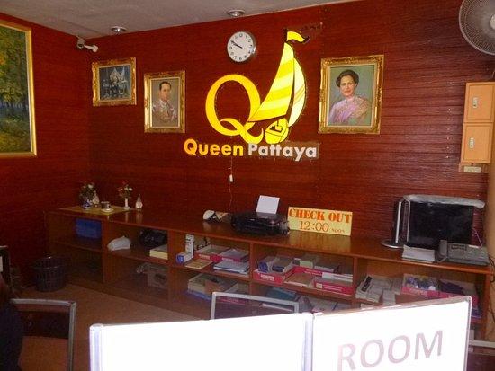 Queen Pattaya Hotel: Inngång