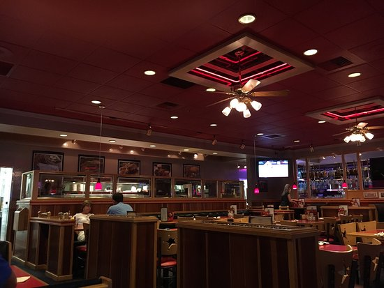 Wing Central's Roadhouse Grill: photo0.jpg