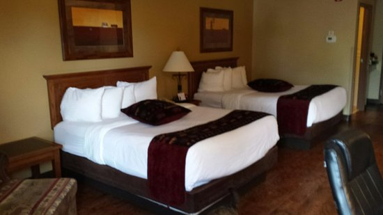 BEST WESTERN PLUS Kelly Inn & Suites: 20160728_190755_large.jpg