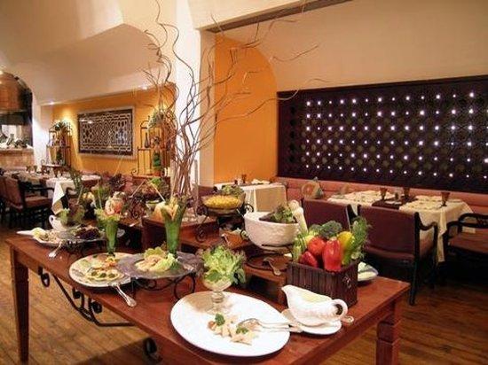 โรงแรม รามเซส ฮิลตัน: Ramses Hilton Citadel Grill Restaurant