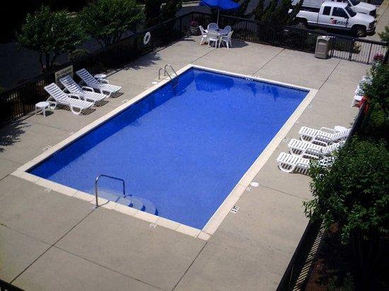 Auburn, AL: Outdoor Pool