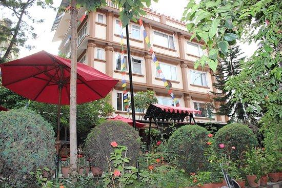 Hotel Encounter Nepal: Hotel Exterior