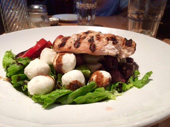 Cicilys Pastaria & Grill: Salad with mozzarella and chicken - overpriced.