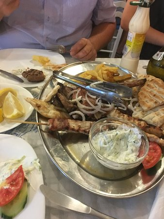 Orata ai ferri e spaghetti marinara bild fr n sifis for Kos milano ristorante