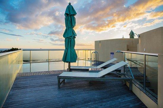 بيتش سويتس: View from apartment private rooftop pool