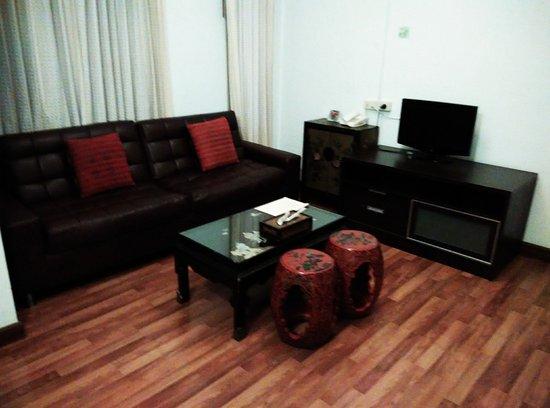 Maninarakorn Hotel: lounge