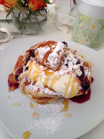 Cherry Trees Coffee House: Fabulous!!!! The service and food are outstanding.  They accommodated our group of 22 for early