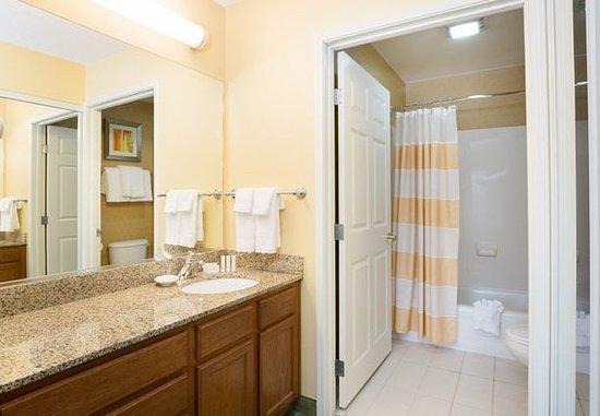 Spokane Valley, WA: Suite Bathroom