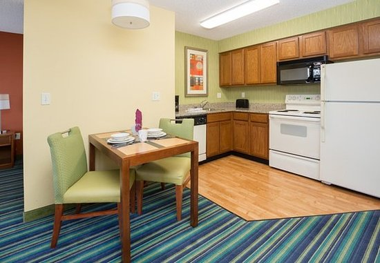 Spokane Valley, วอชิงตัน: King Studio Suite - Kitchen