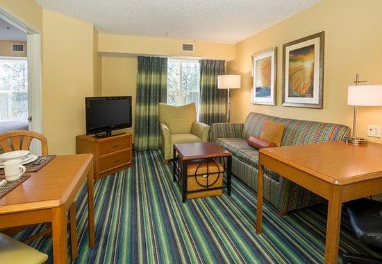 Spokane Valley, واشنطن: One-Bedroom Suite - Living Area