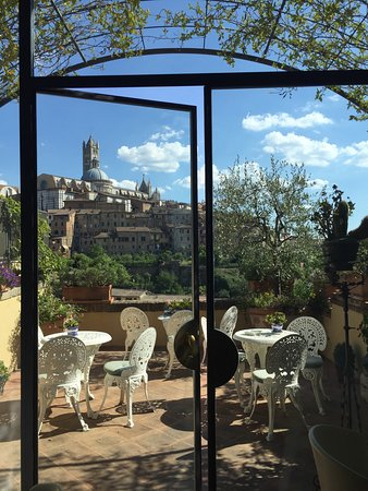 Campo Regio Relais: Best view in Siena!