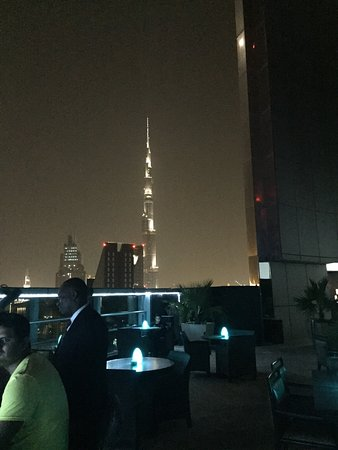 Dubai,Dubai City Guide,Dubai Travel Guide,Dubai International Airport,Burj Khalifa