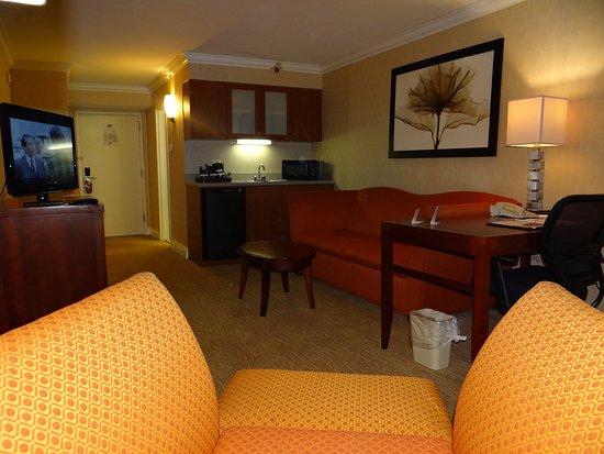 Monroe, NJ: Suite
