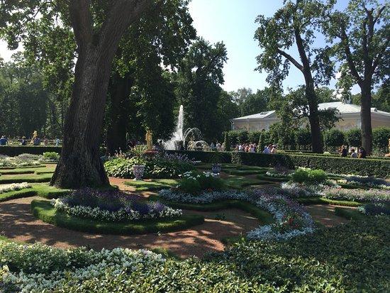 grand palace jardines exteriores