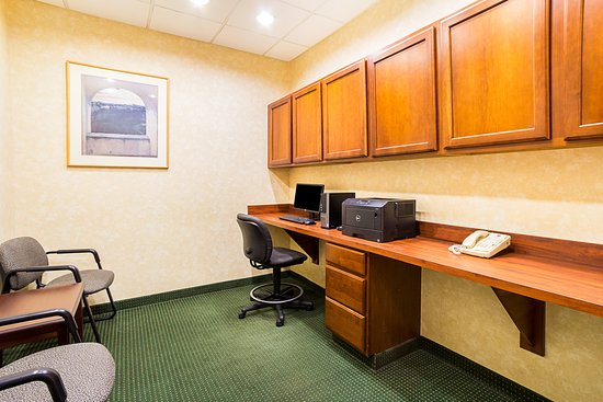 Twinsburg, OH: Business Center