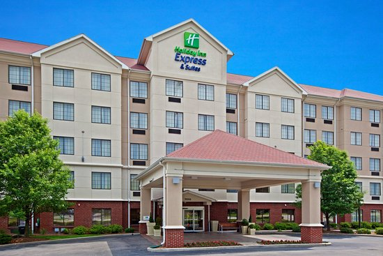 Holiday Inn Express and Suites Indianapolis East: Hotel Exterior
