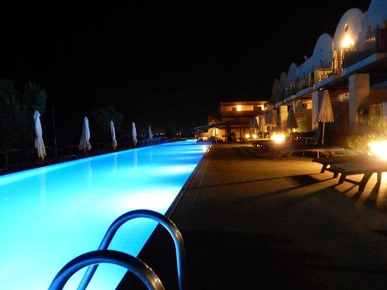 Grand Bay Beach Resort: Flott bassengområde