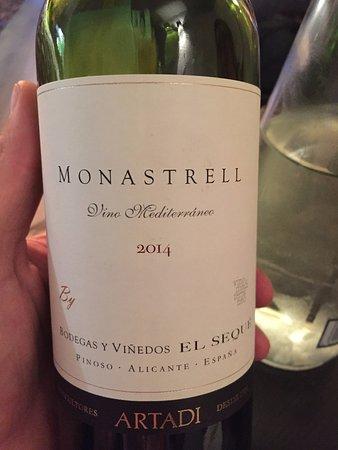 Waregem, Belgium: Heerlijk flesje wijn