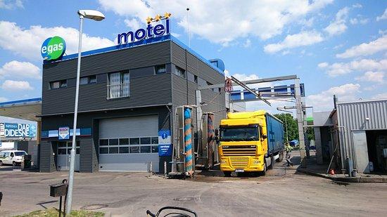 Egas Motel