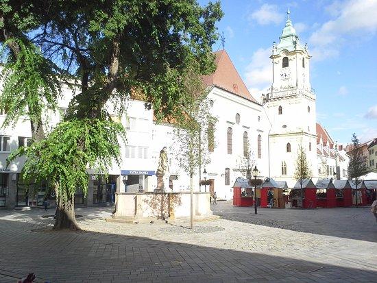 Discover Bratislava - Free City & Castle Tour