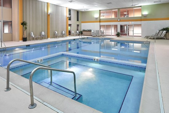 Carol Stream, IL: Swimming Pool / Whirlpool