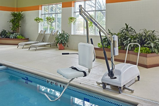 Carol Stream, IL: ADA/Handicapped accessible Swimming Pool Lift