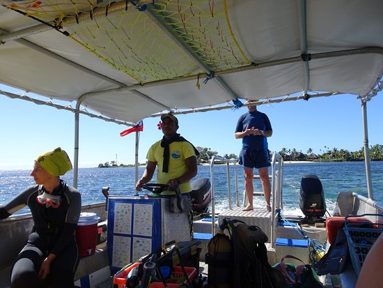Fagamalo, Samoa: Olaf (owner) and skipper gearing up for another great adventure