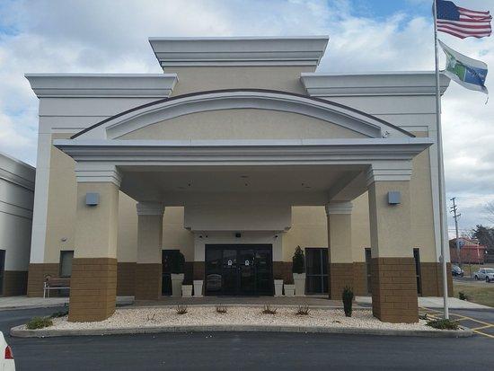 Edgewood, MD: Entrance