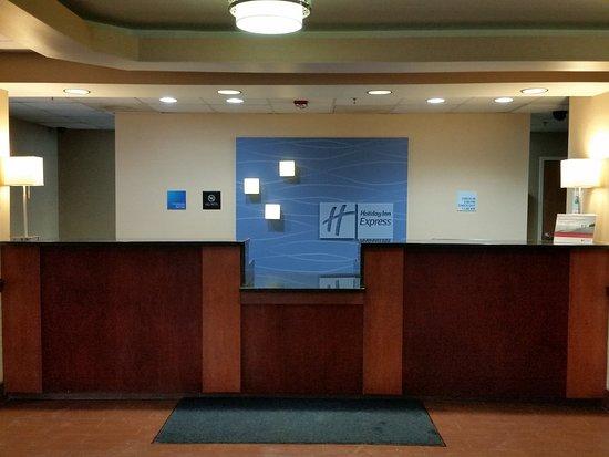 Edgewood, MD: Front Desk