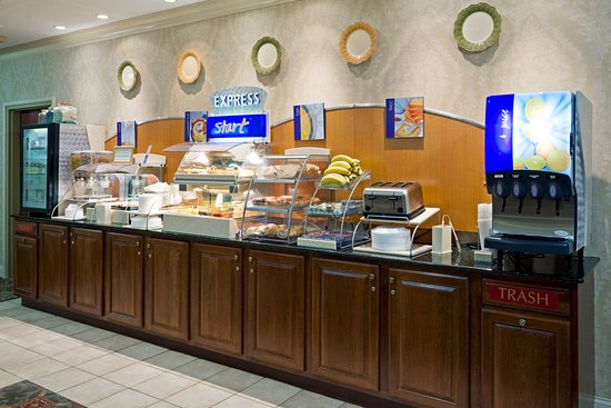 Holiday Inn Express Hotel & Suites Chester - Monroe - Goshen: Breakfast Buffet
