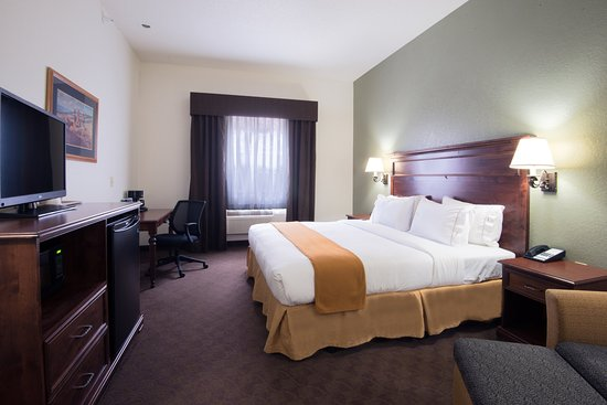 Holiday Inn Express & Suites Mt Rushmore / Keystone