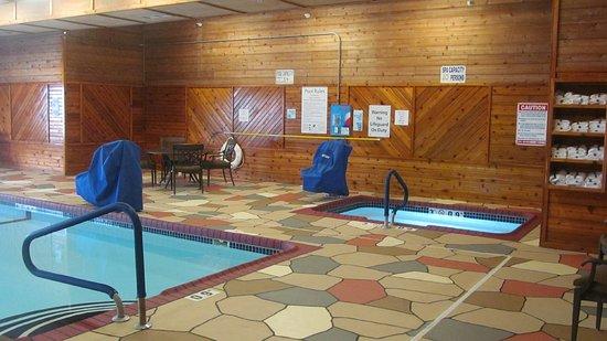 Holiday Inn Express Lexington NE Indoor Pool and Whirlpool