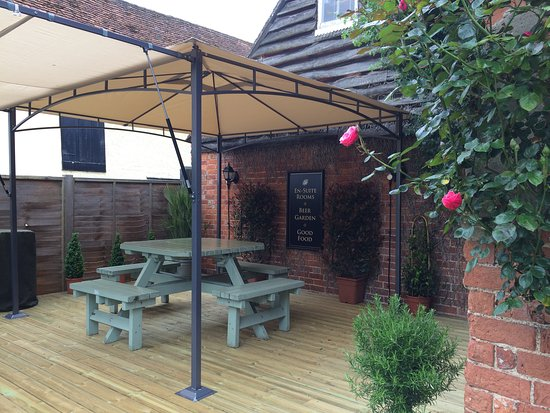 The Coachmakers Arms: New Decked Area in the Back Garden.