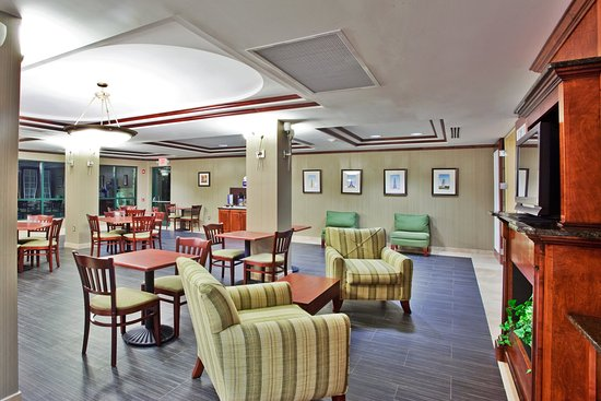 Holiday Inn Express Hotel & Suites Macon West: Breakfast Bar