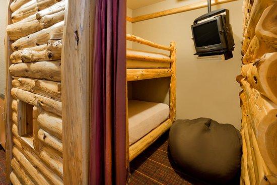 Baxter, MN: Kids Area Log Cabin