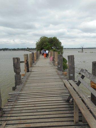 Puente U Bein: Bänklein