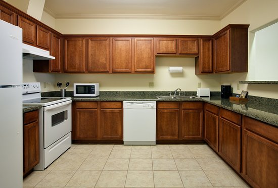 King kitchenette suite 2 rooms picture of holiday inn for Comfort suites la porte tx
