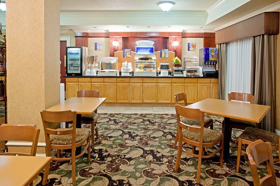 Holiday Inn Express Longview: Breakfast Bar