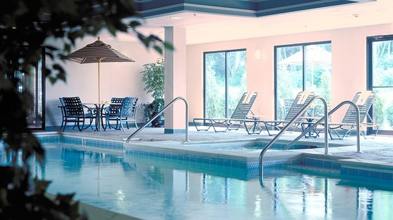 Holiday Inn Express Middletown / Newport: Swimming Pool