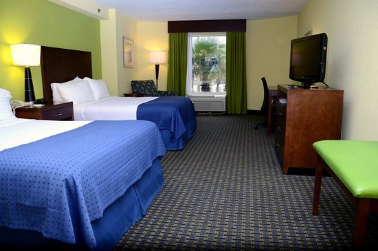 Holiday Inn Hotel & Suites Daytona Beach: 2 Queen Beds City View Non Smoking