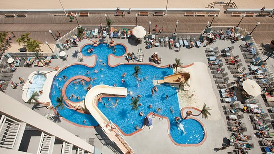 Holiday Inn Hotel & Suites Ocean City : Kid's activity pool with gradual entry, slides, and more!