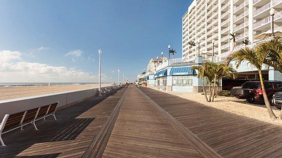 Holiday Inn Hotel & Suites Ocean City : Step out onto the boardwalk and enjoy a sunrise