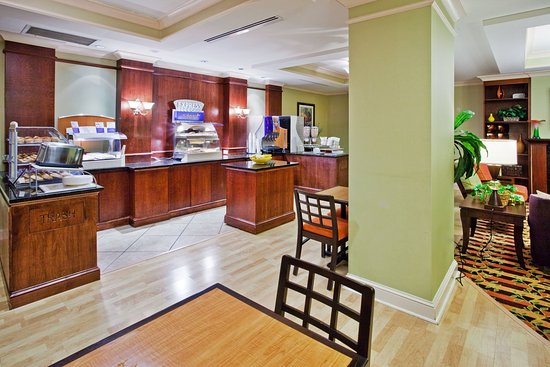 Holiday Inn Express Greenville I-85 and Woodruff Road: Hot Breakfast at our Greenville SC Woodruff Road hotel near I-85