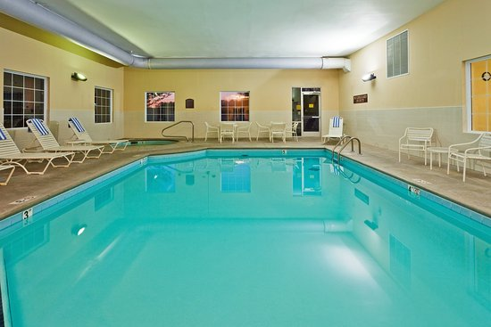 Holiday Inn Express & Suites Manchester-Conf Ctr (Tullahoma): Swimming Pool