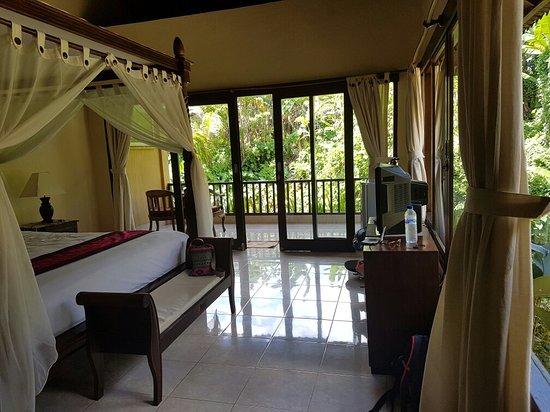 Sri Bungalows: 20160802_120443_large.jpg